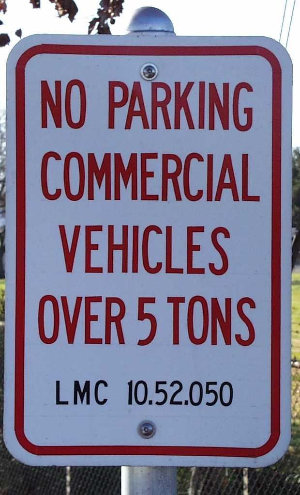 No Parking Commercial Vehicles Over 5 Tons
